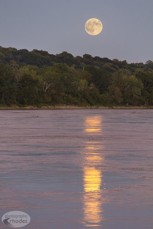 Supermoon Lunar Eclipse (1/3)